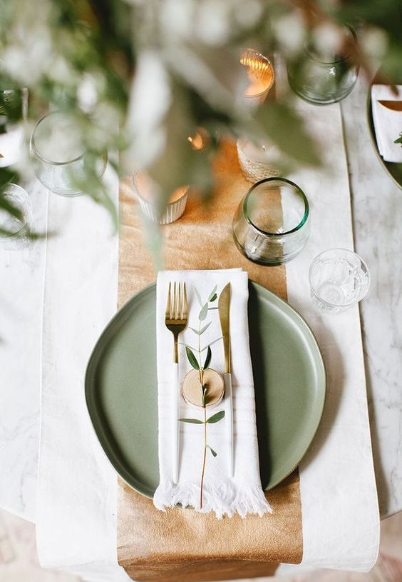 5 Non-Traditional Thanksgiving Decor Ideas